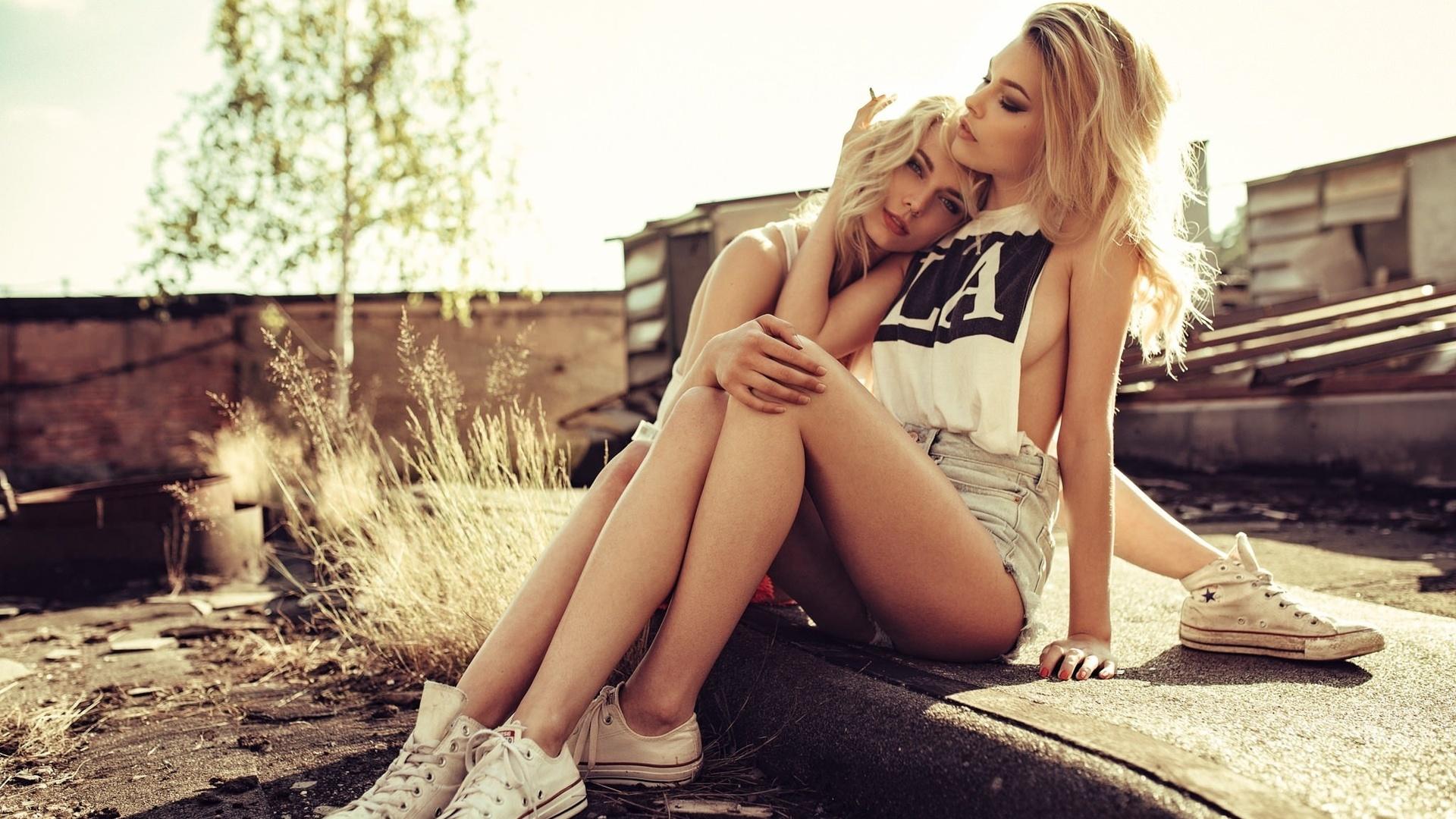 foto-blondinka-na-dvoih-tolko-foto-porno-zhenshin