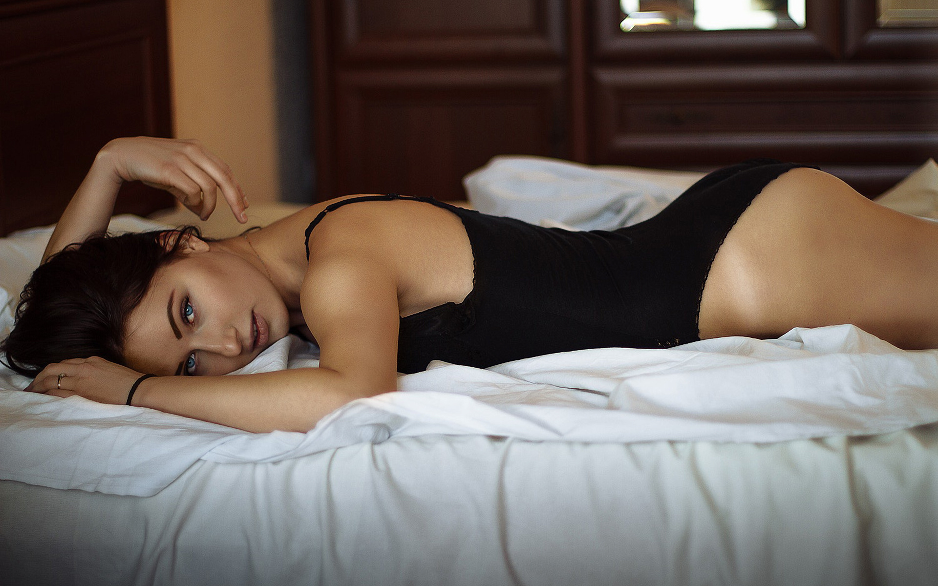 body-woman-in-bed-x-x-sex-imageporn-download