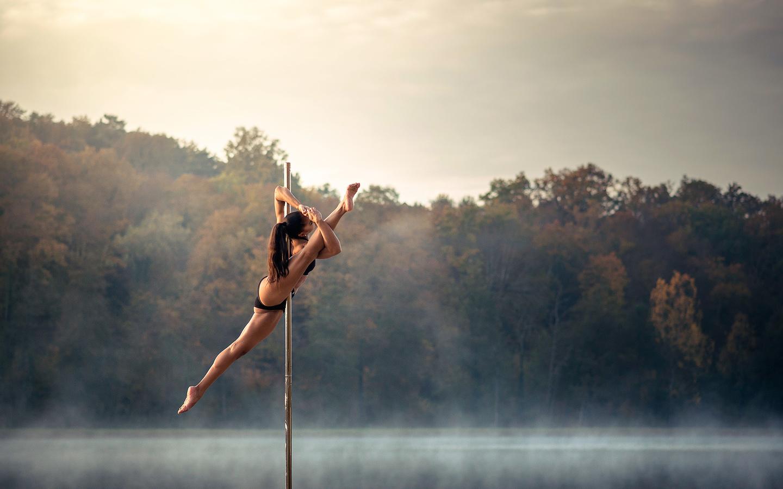 гимнастки на природе фото всё