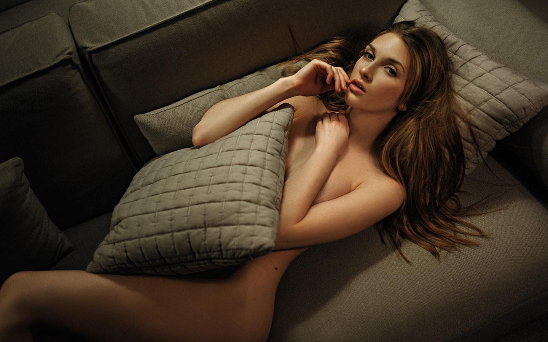 georgy chernyadyev, women, nude, couch, strategic covering, looking at viewer, девушка, обнаженная, диван, смотрит на зрителя, лежа на спине