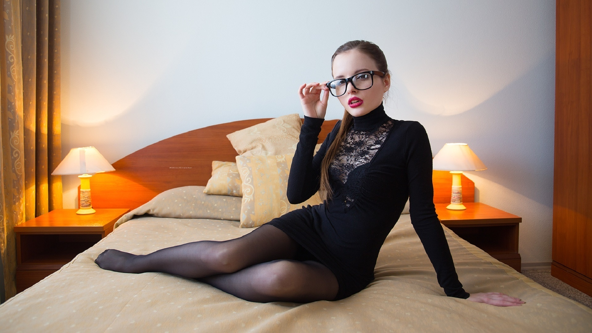 девушка, тело, фигура, ножки, поза, очки, by лозгачев алексей, очки, платье, колготки