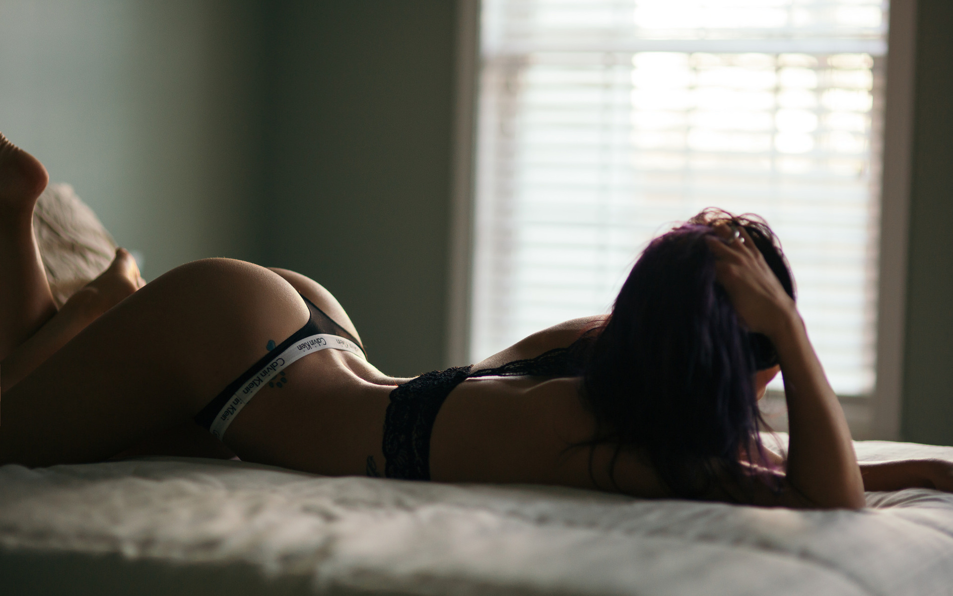 Девушки сзади в постели фото — photo 2