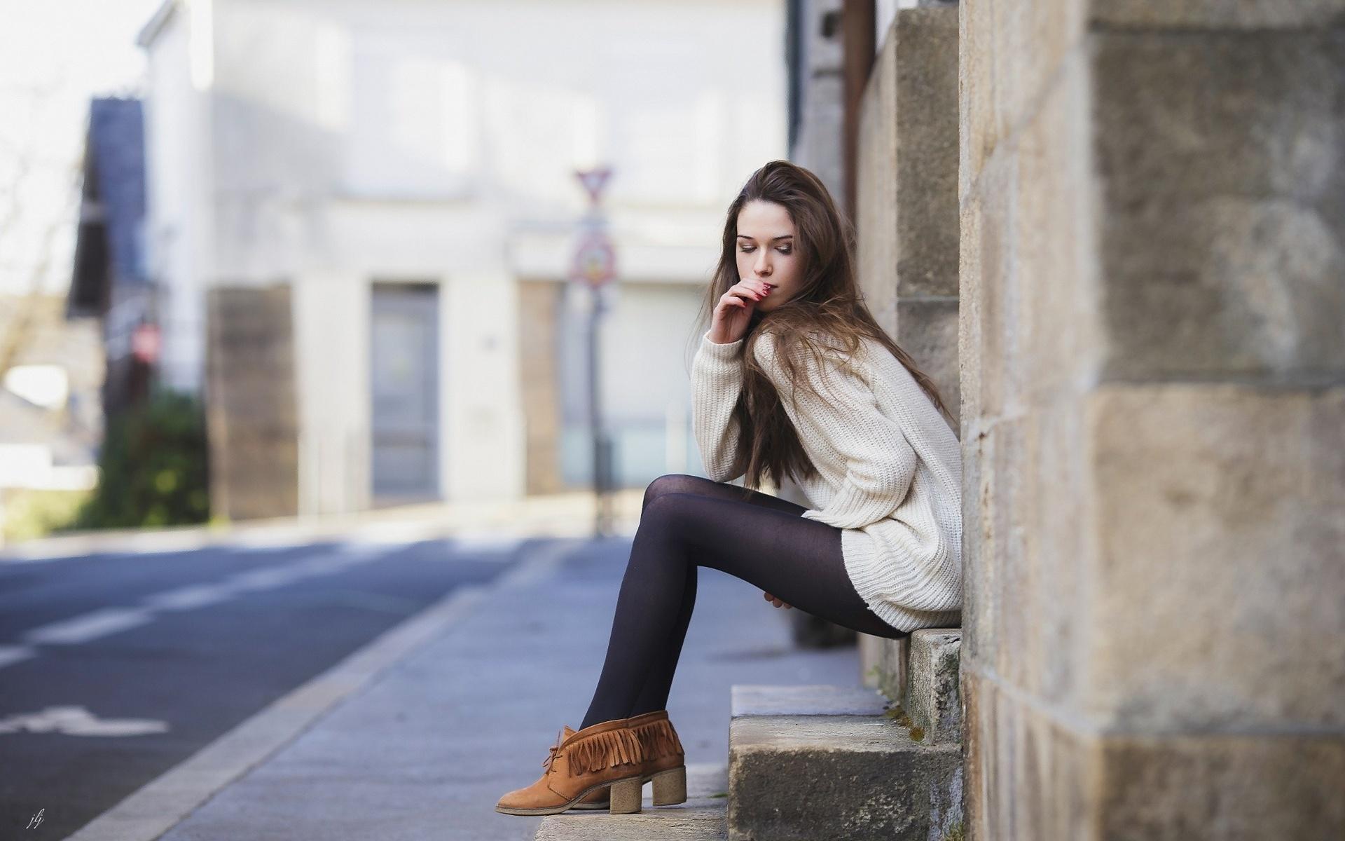 Натуральные фото девушек на улице новые