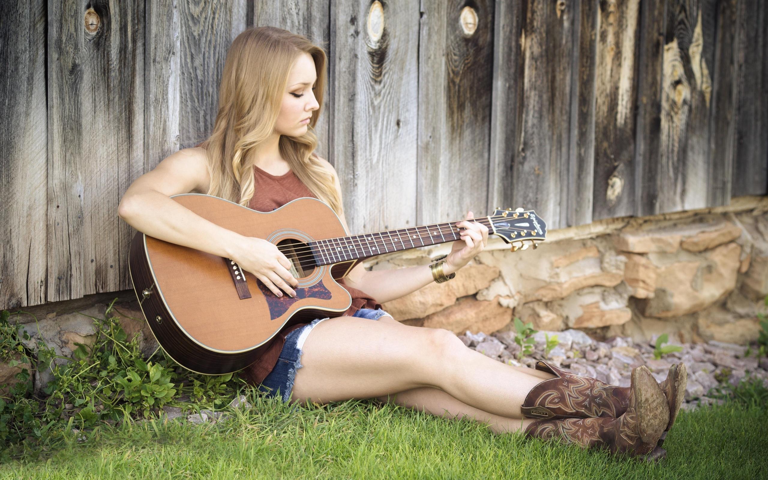 Country music girls hot legs — img 3