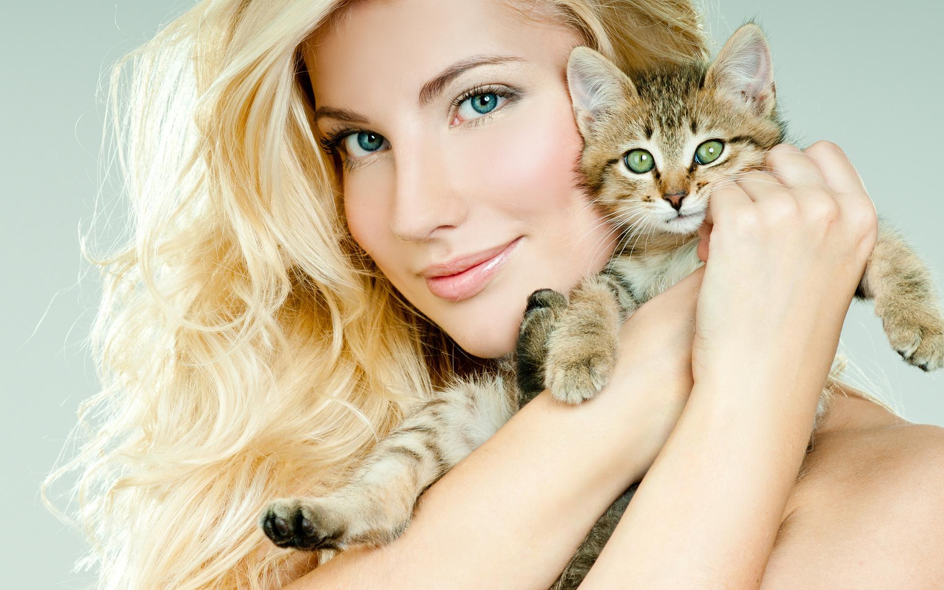 Прикольные картинки девушка с животным