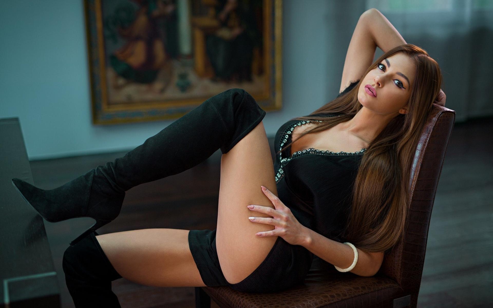 Фото ню девушки в красивых позах, Голые девушки в сексуальных позах (34 фото) 29 фотография