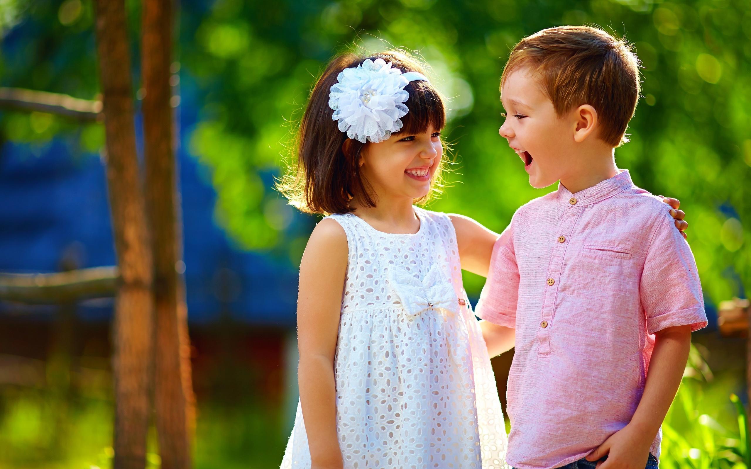 Днем рождения, картинка с мальчиком и девочкой