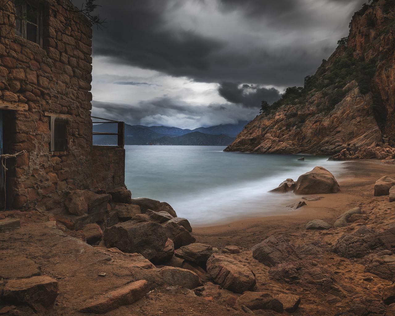 corsica, корсика, природа, пейзаж, камни, скалы, берег, море, тучи, дом, развалины