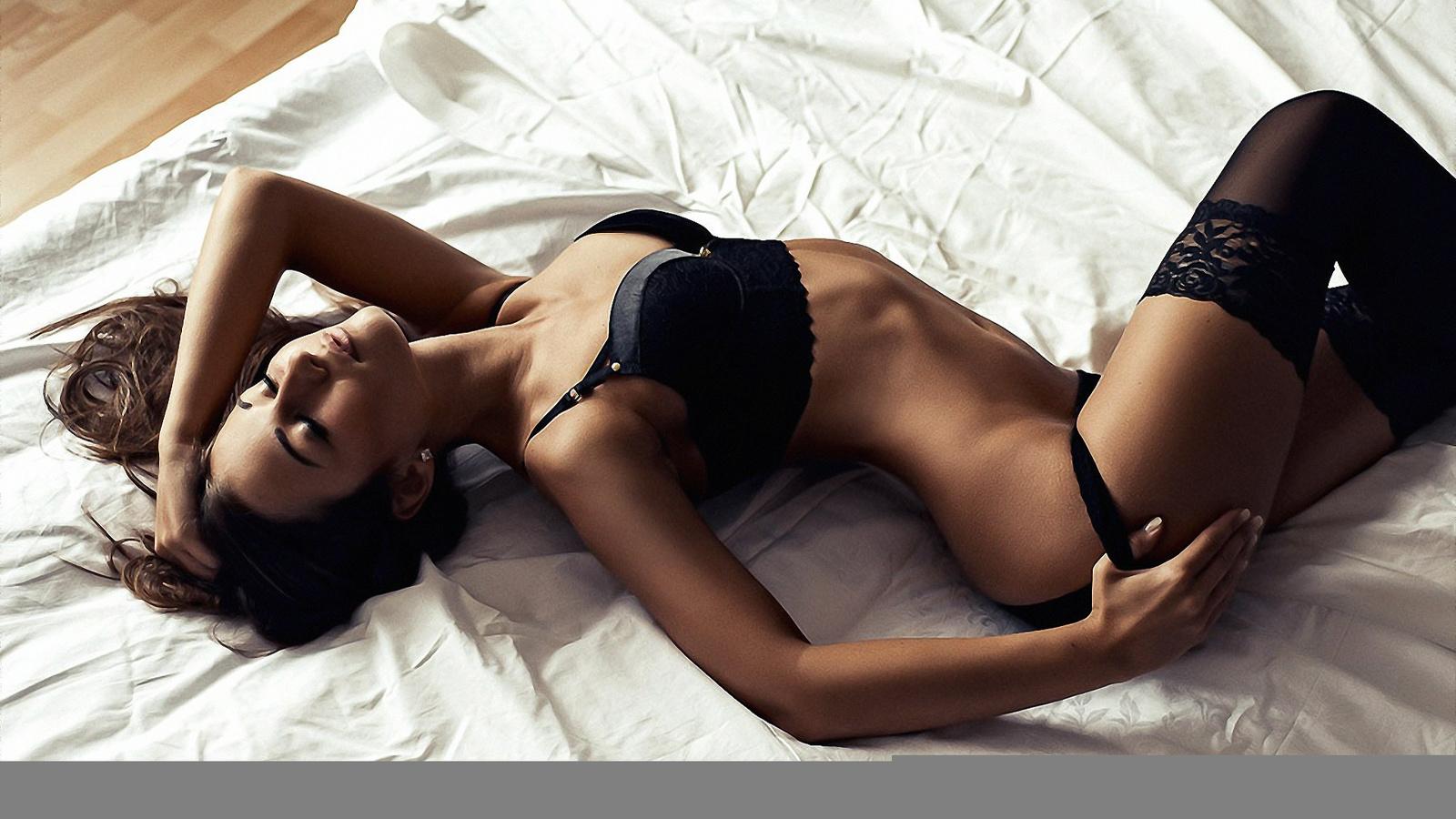lesbian reshma nude pic