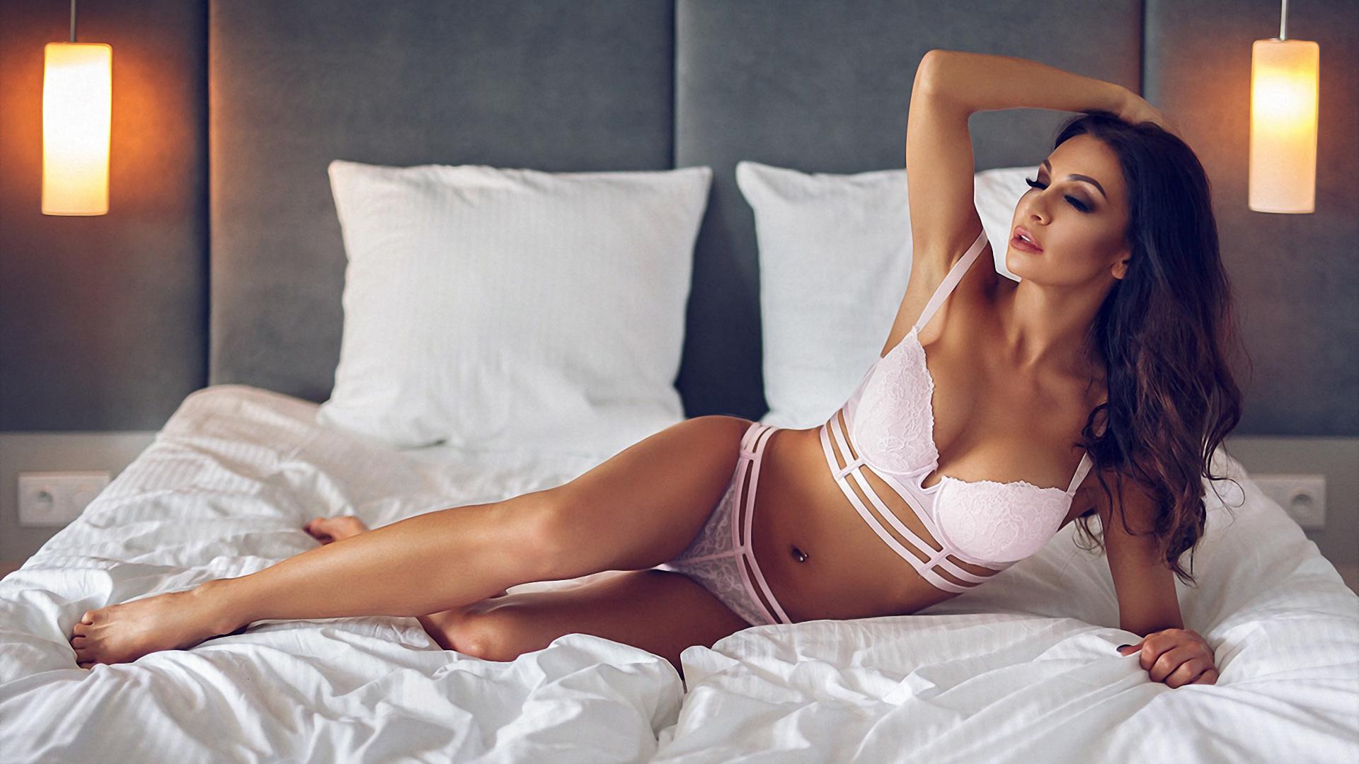 красотки в постели - 13