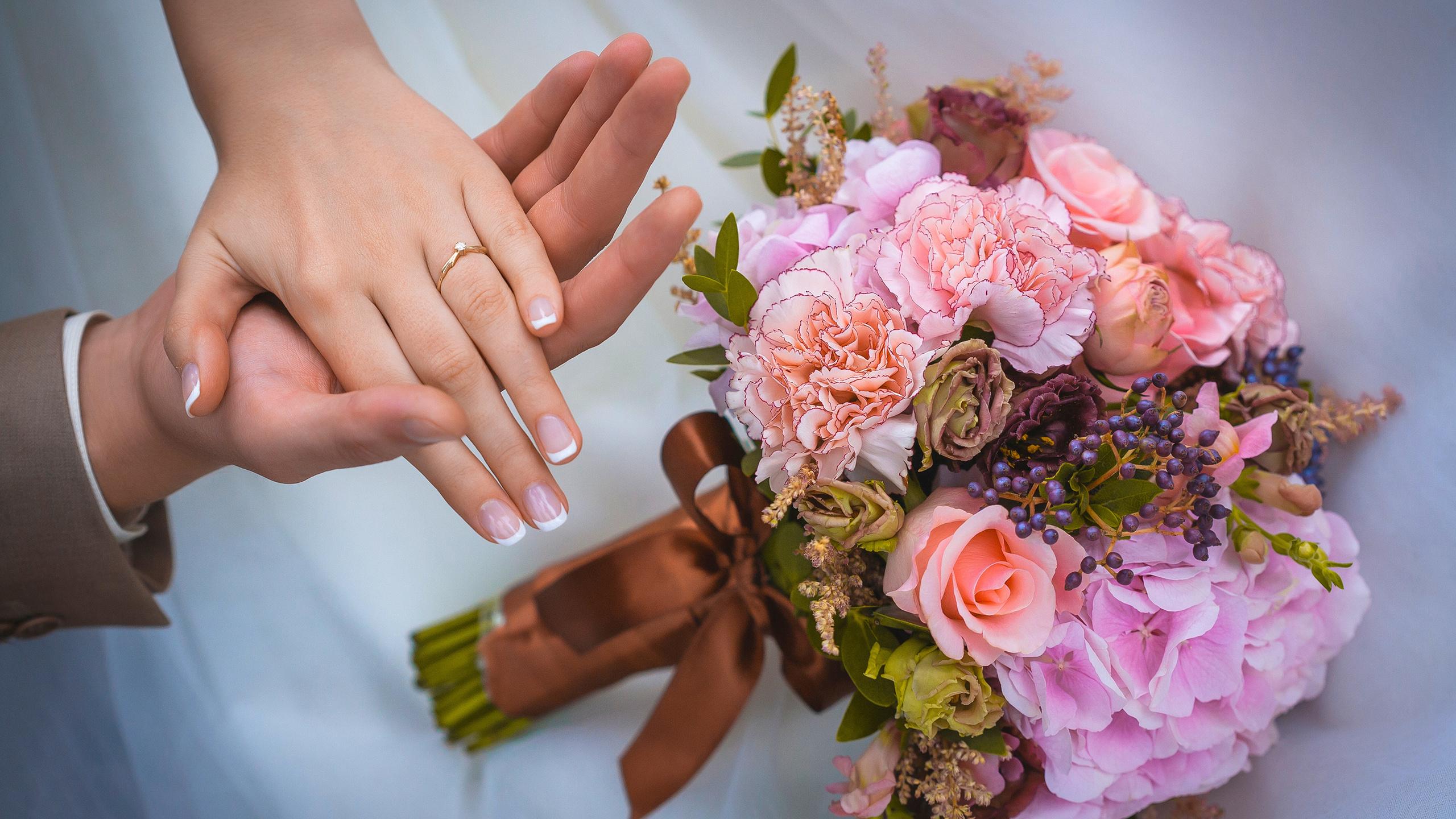 Букет невесты нельзя выпускать из рук, цветов подарков