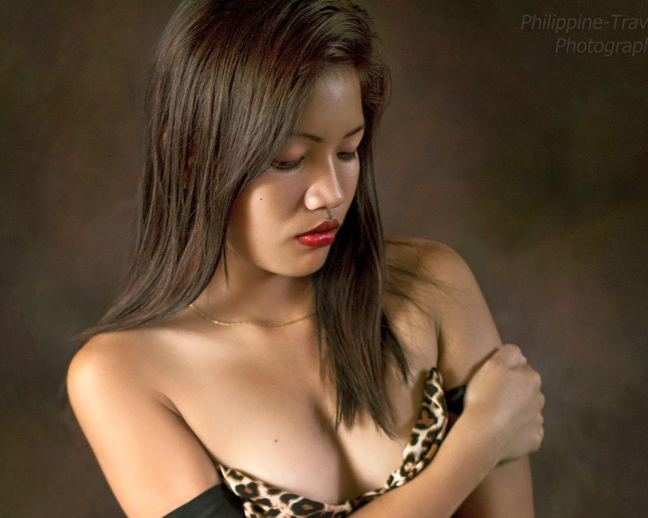 josie, модель, азиатка, декольте, фон, размытый, фотограф, philippine travelclub