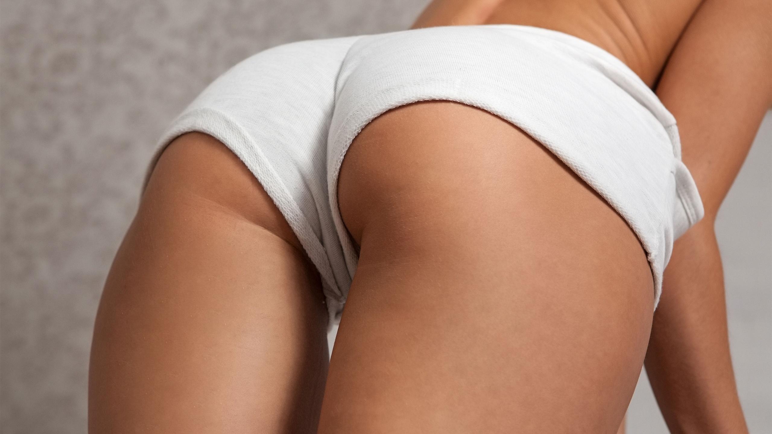 Только попы в турсах, Девушки в красивых трусиках показывают сексуальные 26 фотография