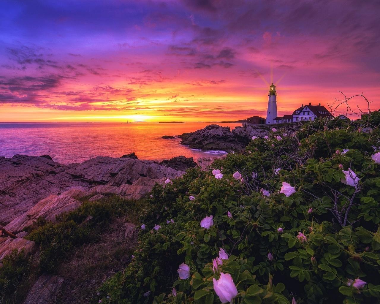 море, небо, маяк
