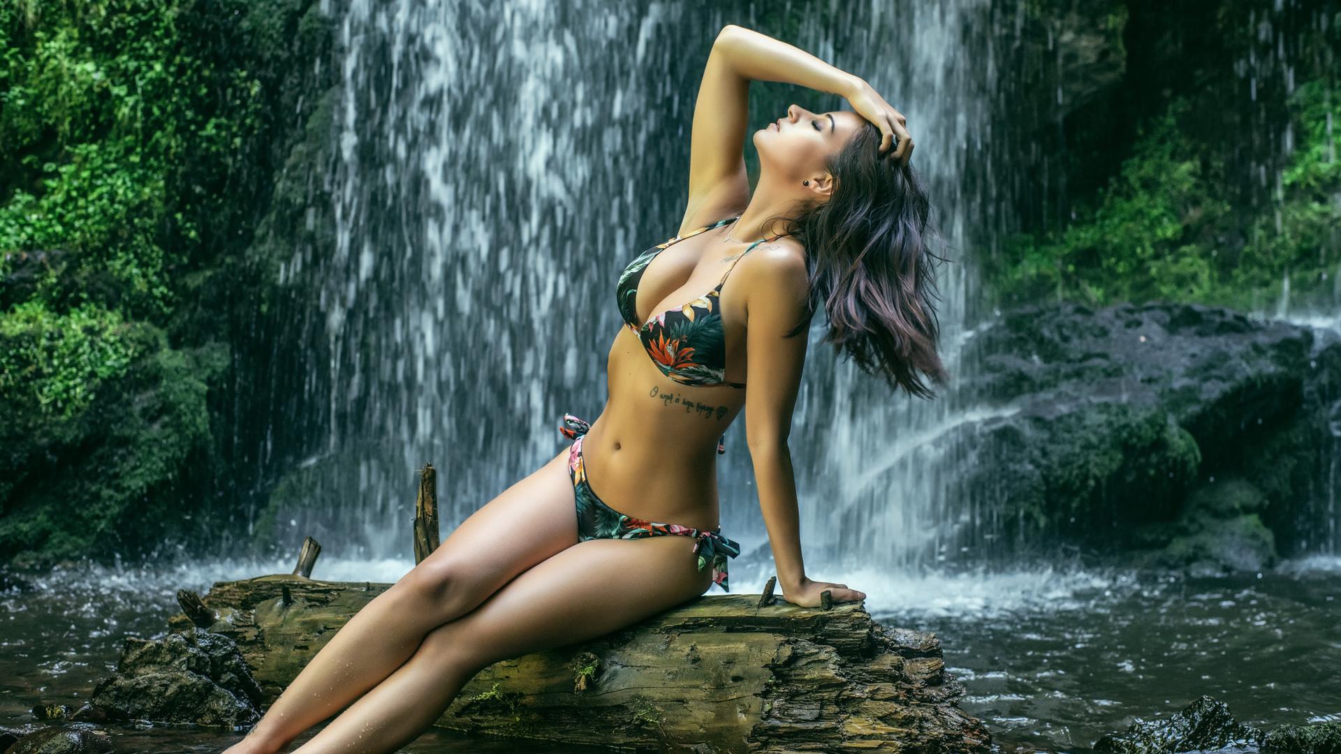 beautiful  ladies naked