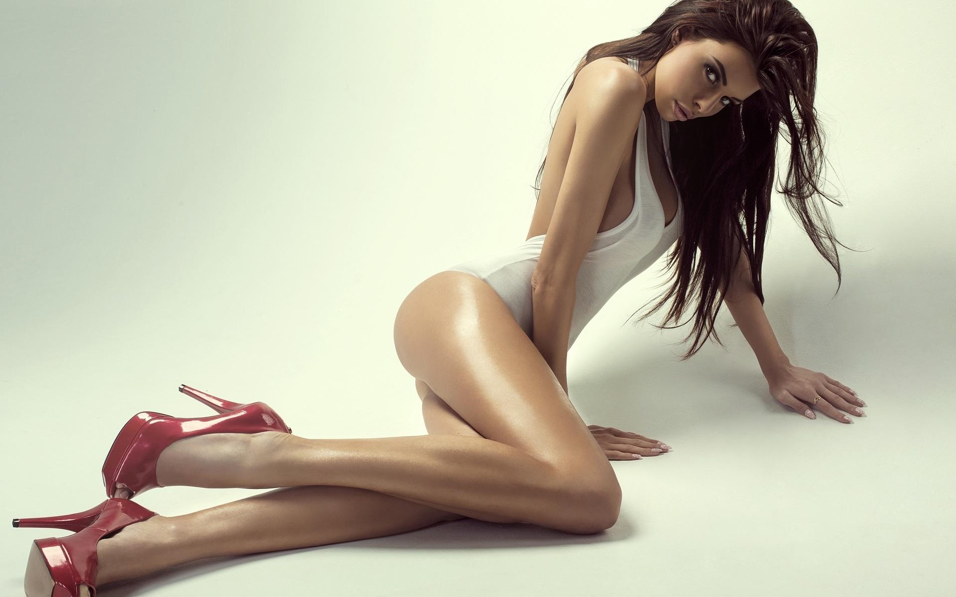 Сексуальные фотосессии позирование девушки, порно актриса бриджит видео