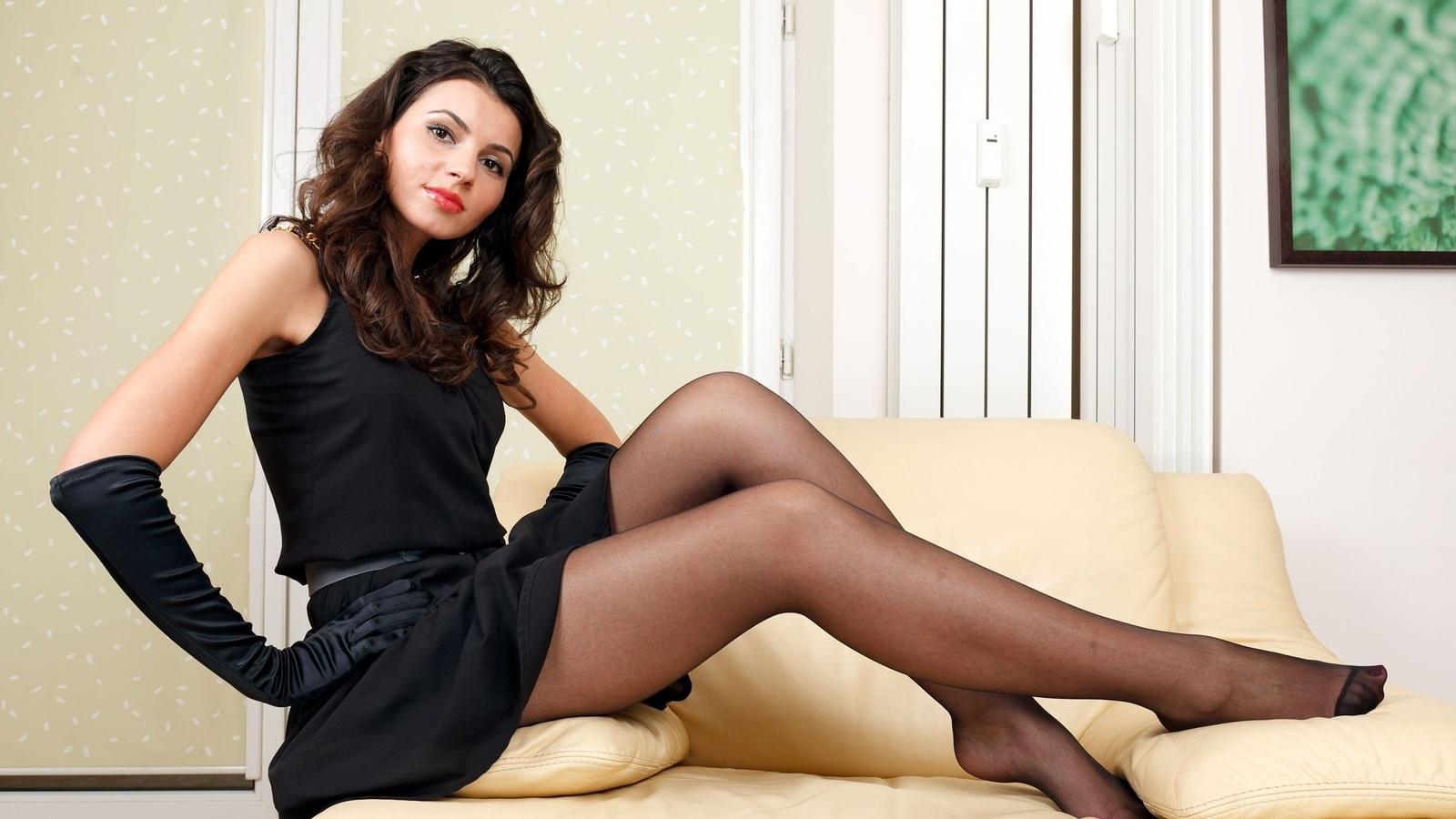 брюнетки любят, красивые ножки девушек смотреть слайды добрая своей натуре