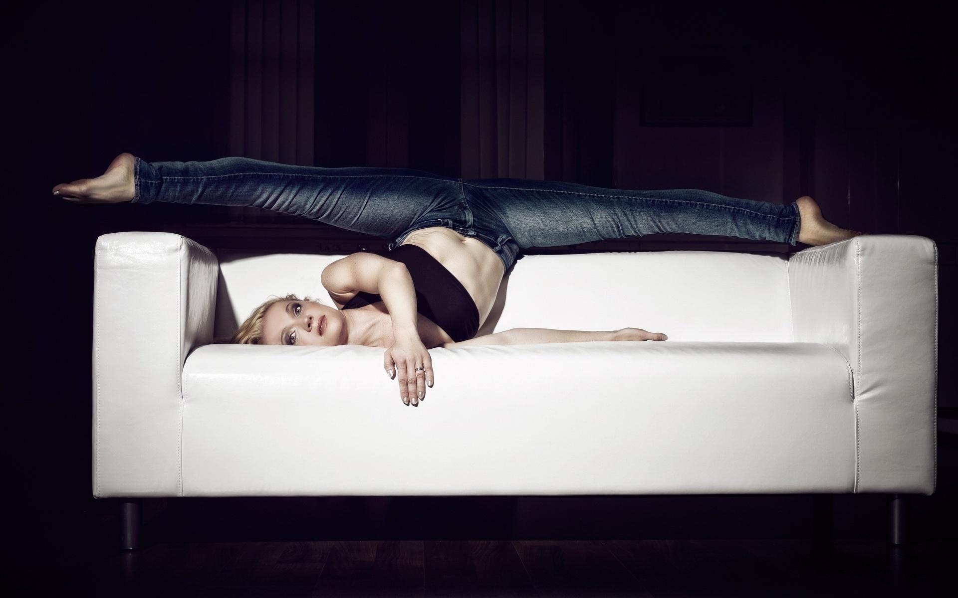 классные позы для фотографий на диване становится вопрос, почему