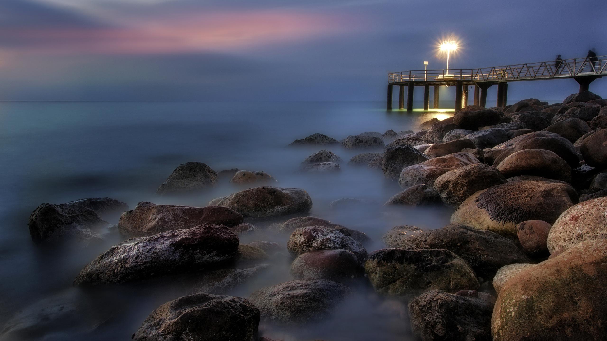 природа, пейзаж, море, испания, xilxes, spain, Чильчес, камни, вечер, фонарь, свет