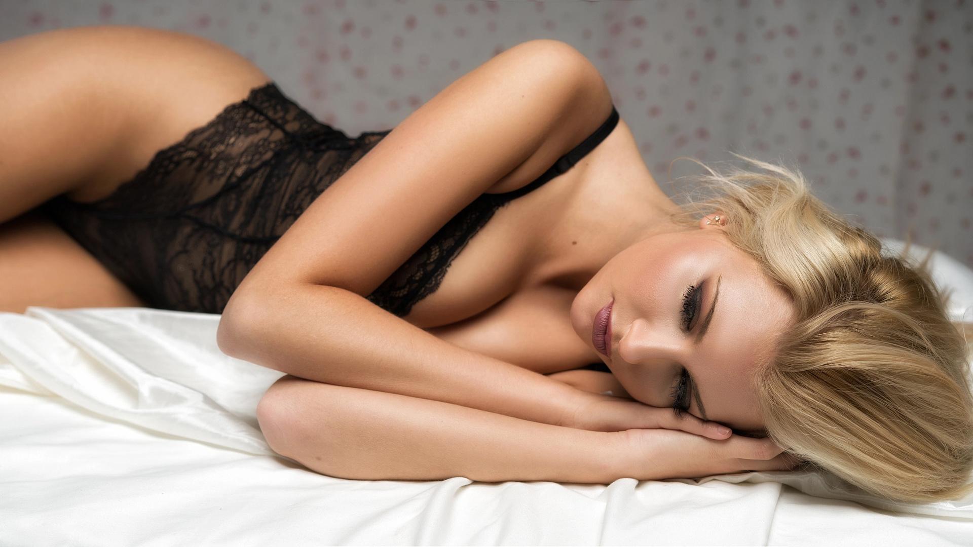 Сексуальная терапия для блондинки, Порно Доктор - 57 видео. Смотреть порно онлайн! 1 фотография