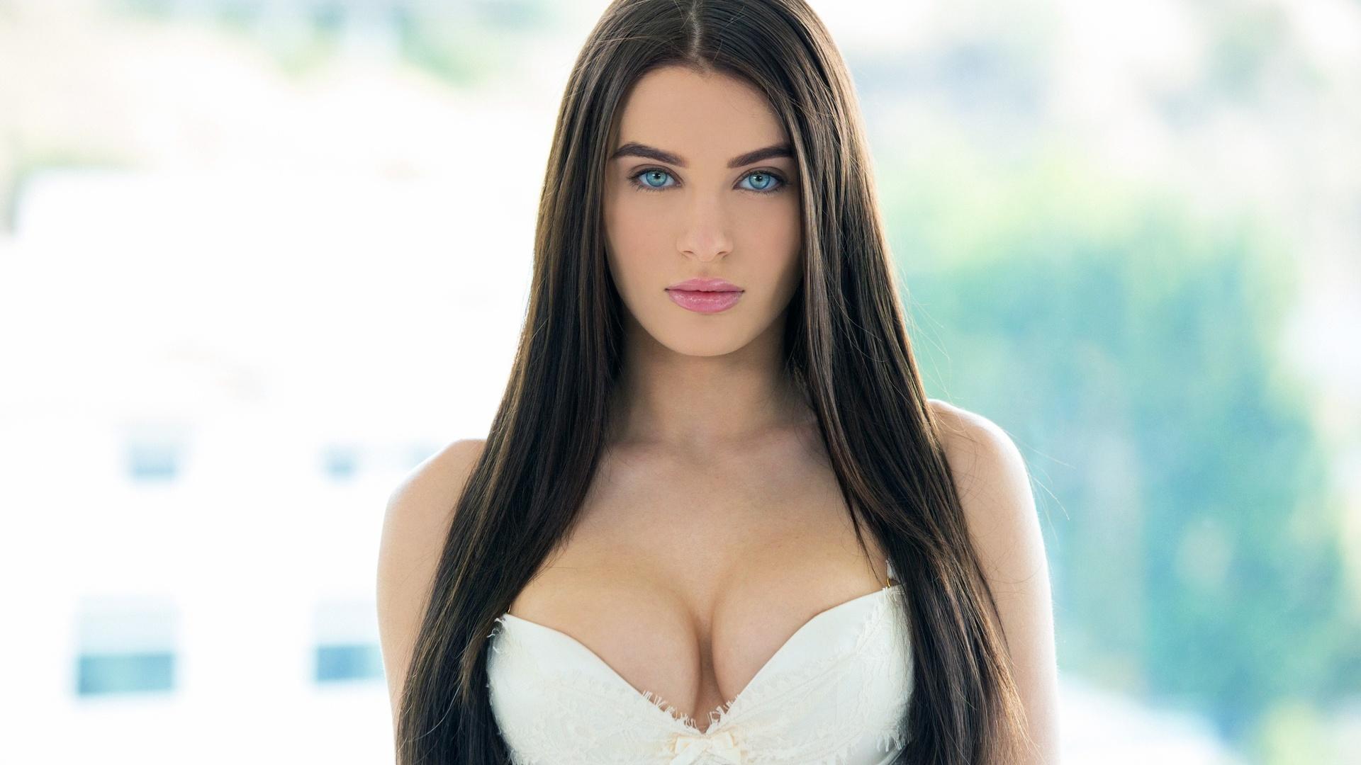 Топ 10 красивых порнозвёзд, 10 самых красивых порноактрис - фото 1 фотография