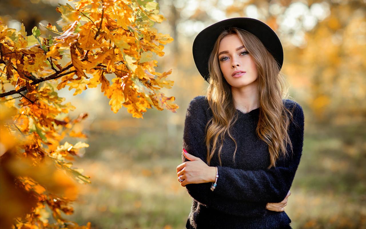 Картинки девушек на природе осенью, днем