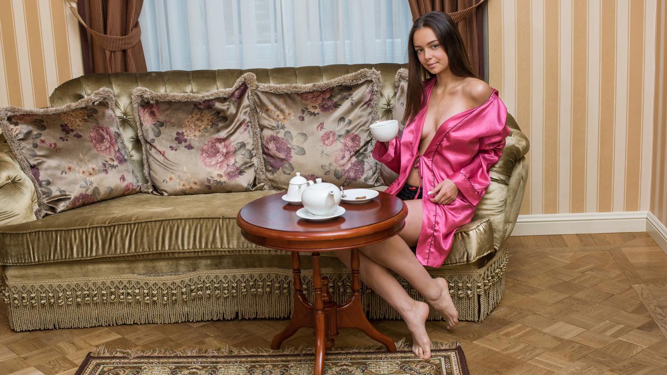 Девушки в розовом: фото и обои на рабочий стол (214 фото)