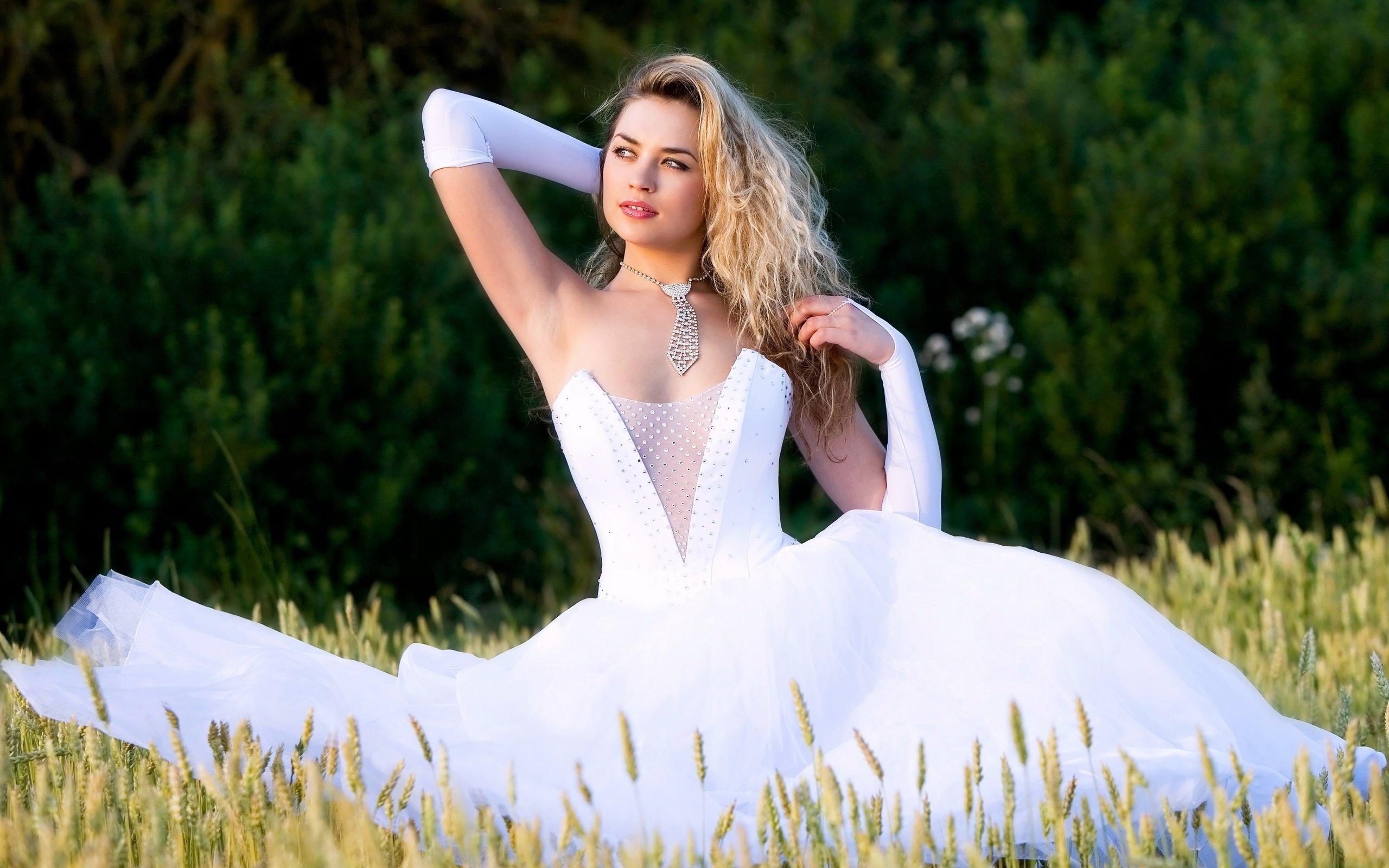 Картинка самая красивая невеста с надписями, открытки сделать поздравления