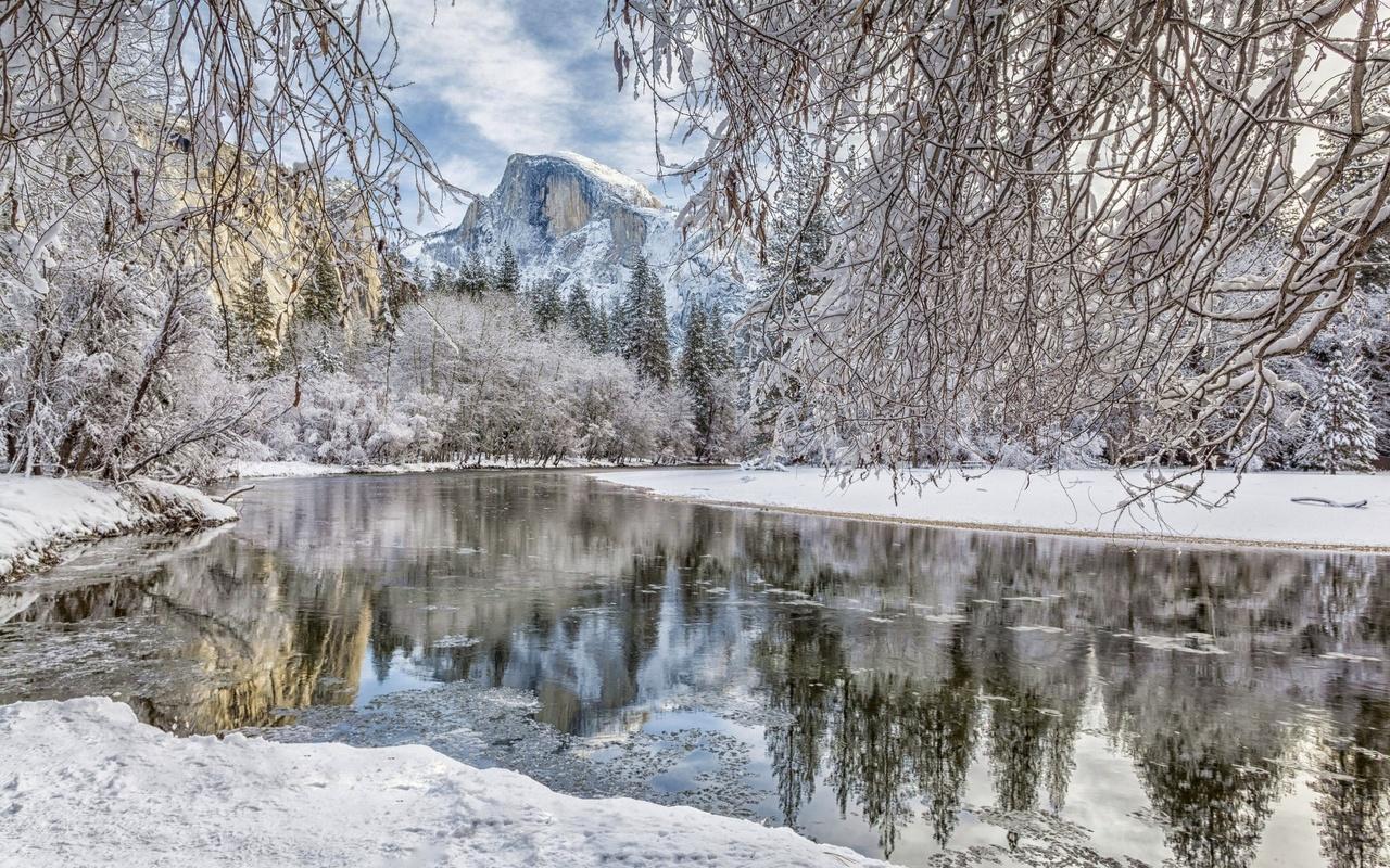 yosemite national park, йосемитский национальный парк, sierra nevada, сьерра-невада, снег, гора, река мерсед, лес, река, ветки, merced river, долина йосемити, калифорния, зима, yosemite valley