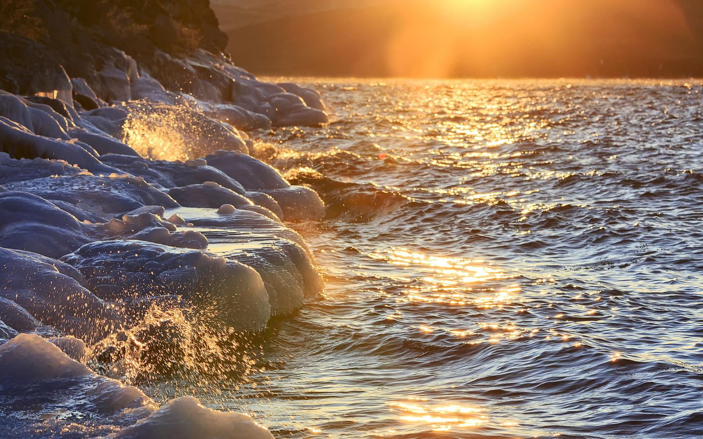 михаил байбородин, озеро, байкал, зима, лёд, вода, брызги, закат