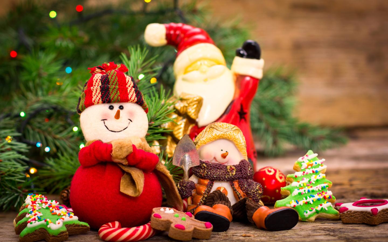 праздник, новый год, ветки, ель, ёлка, игрушки, снеговики, дед мороз, печенье