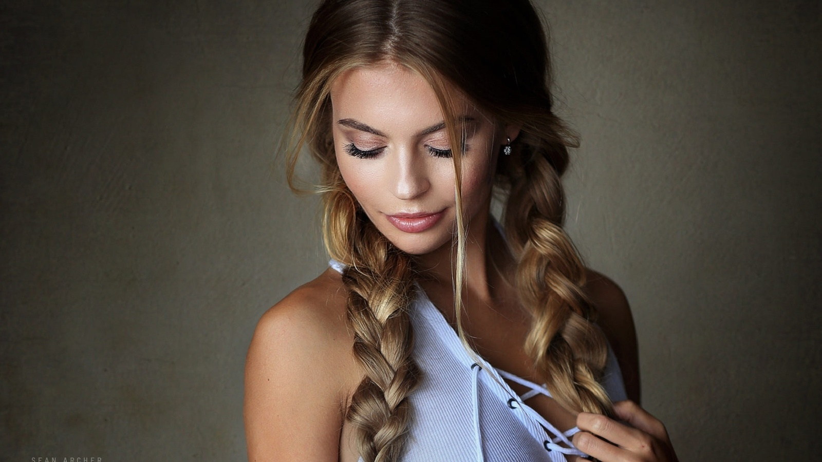 модель юлия, фотограф sean archer, косы, шнуровка, sean archer, katya kotaro