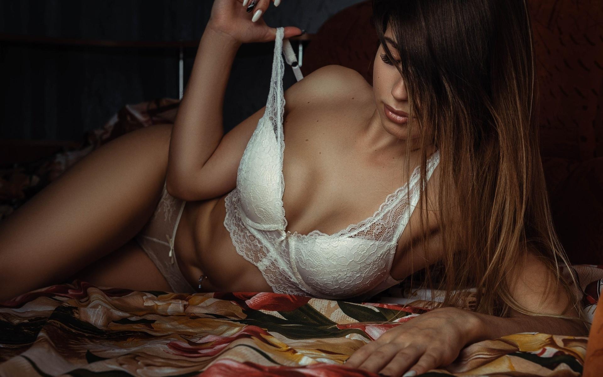 девушка, длинные волосы, на кровати, фотографии, николай лукьянов