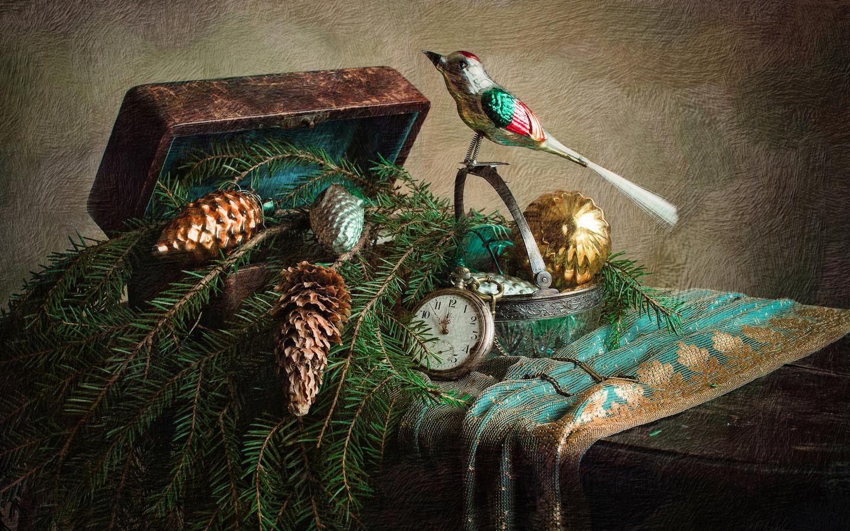 праздник, новый год, рождество, игрушки, ветки, ель, часы, ящик, шкатулка, птичка