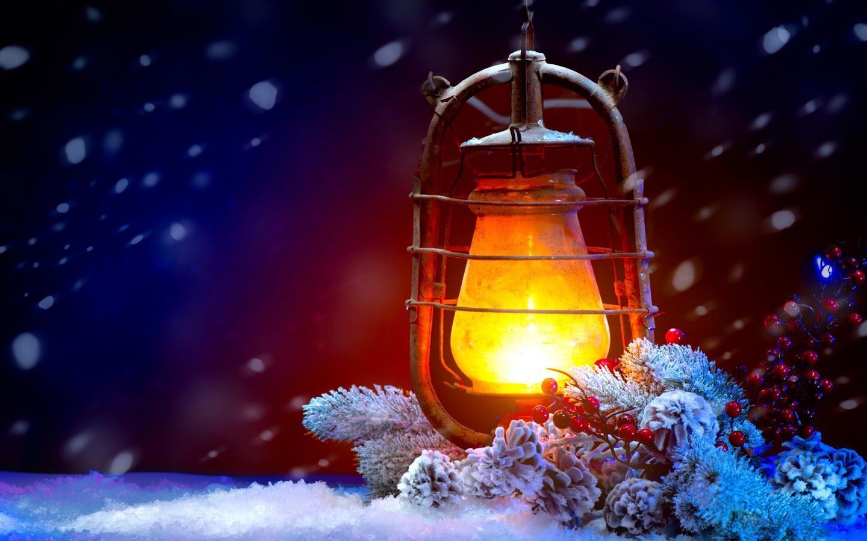фонарь, свет, ветви елки, снег, рождество