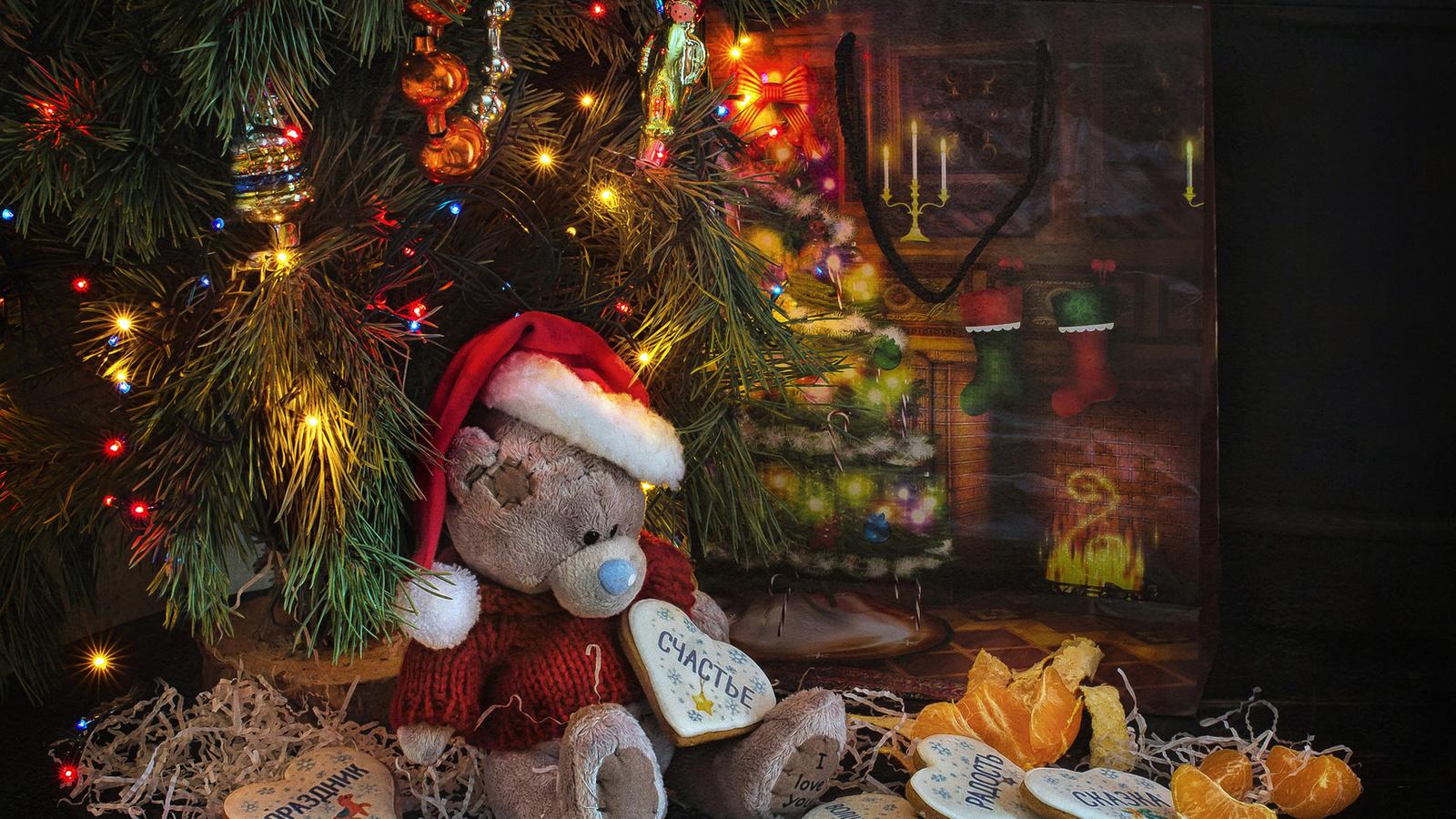 праздник, новый год, рождество, ёлка, украшения, игрушки, огни, игрушка, мишка, мандарины, пряники