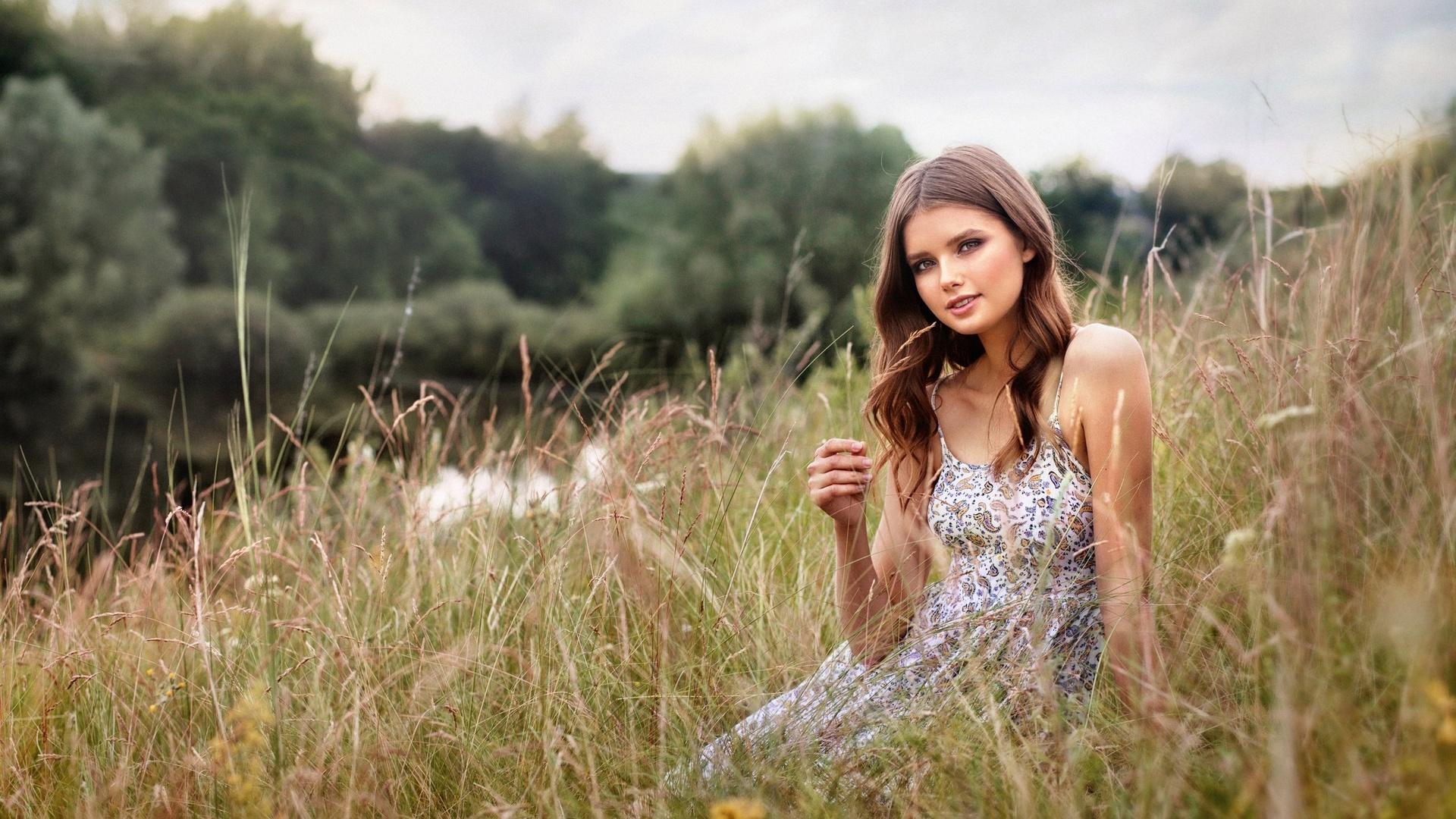 девушка, на природе, фотограф, наталья меньтюгова, лето, красивая, высокая трава