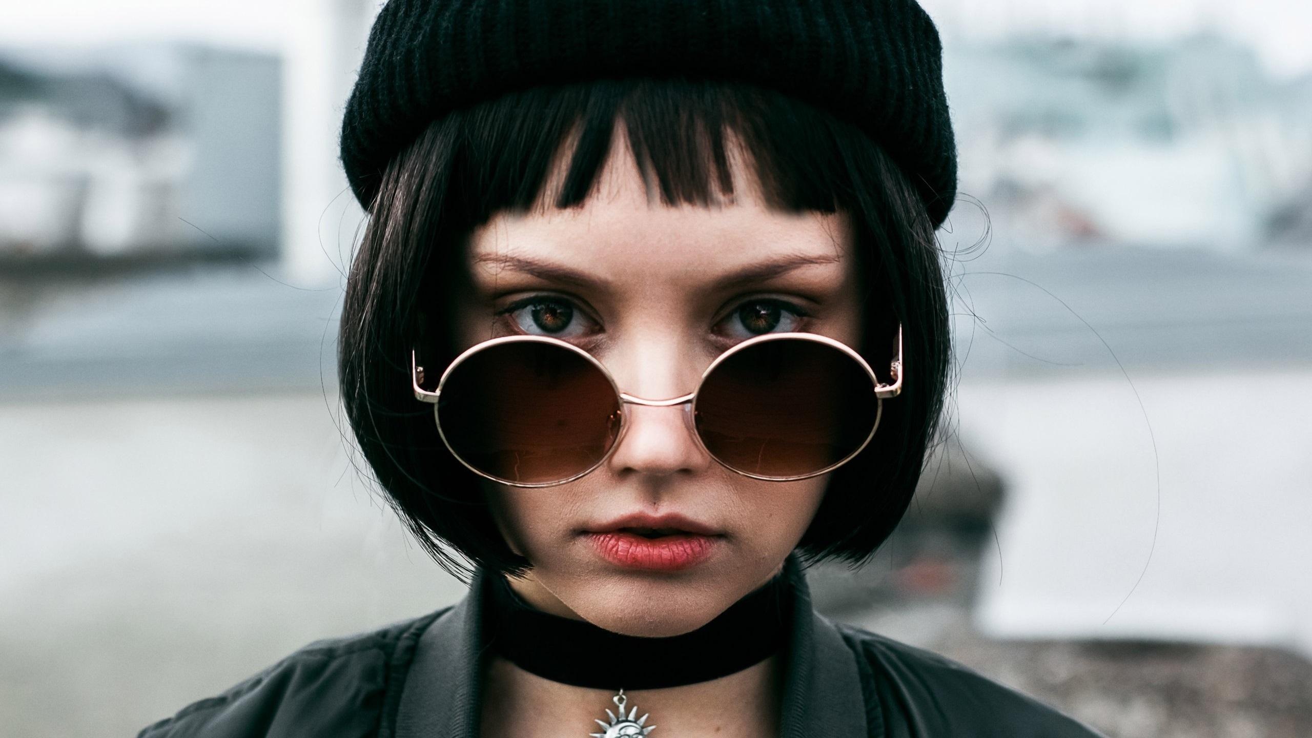 Кате, картинка с надписью девочка с каре
