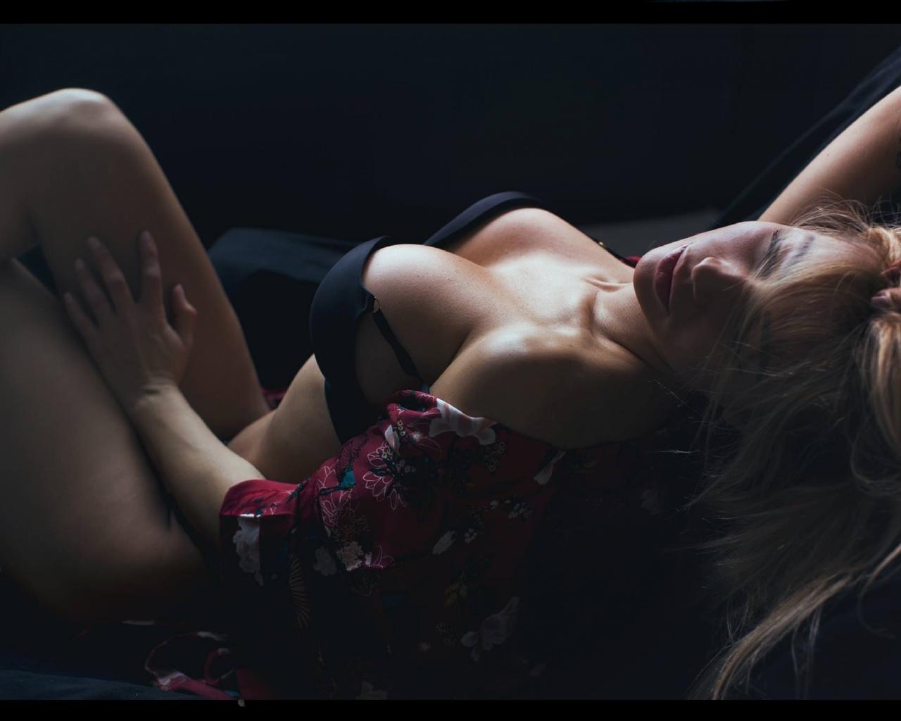 wallpaper model, boobs, closed eyes, big tits, tanned, bra, black bra