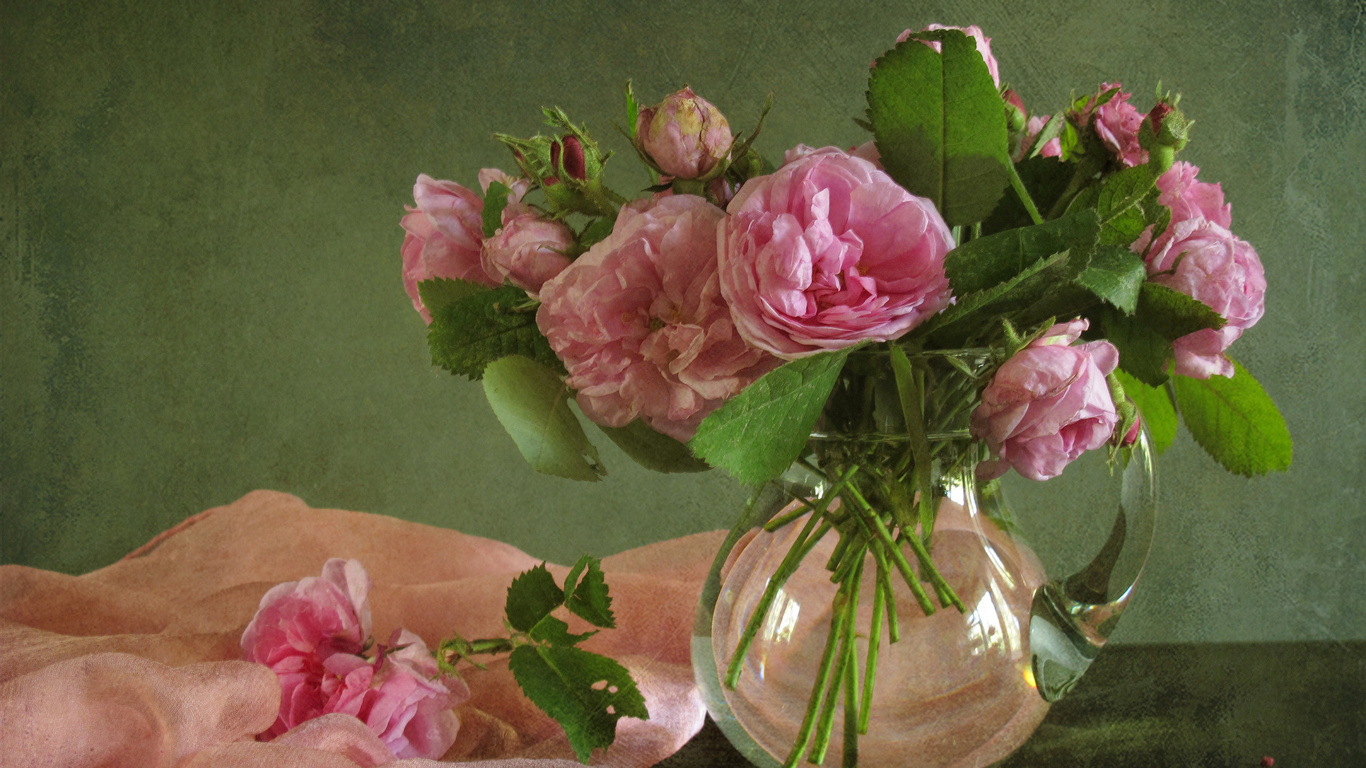 кувшин, цветы, розы, шарф