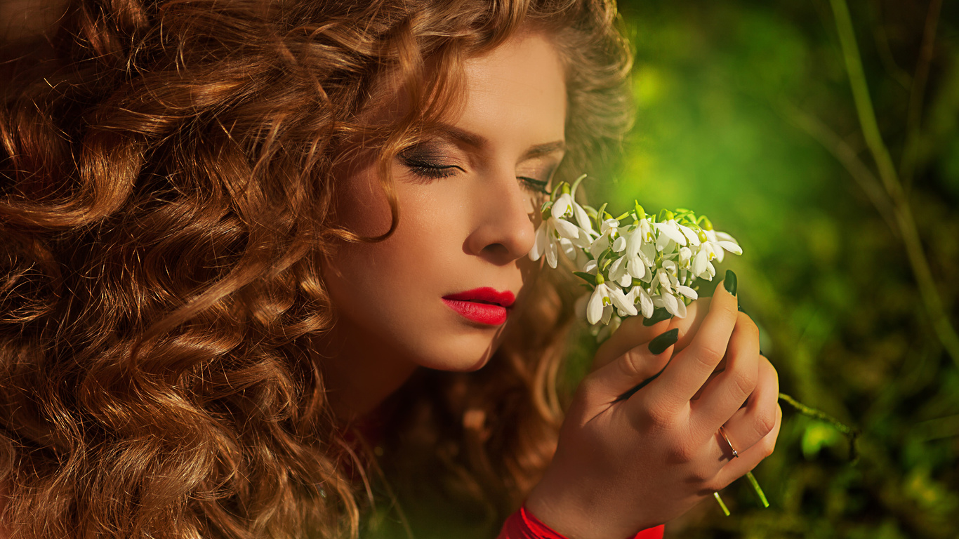 лицо, руки, цветы, закрытые глаза, макияж