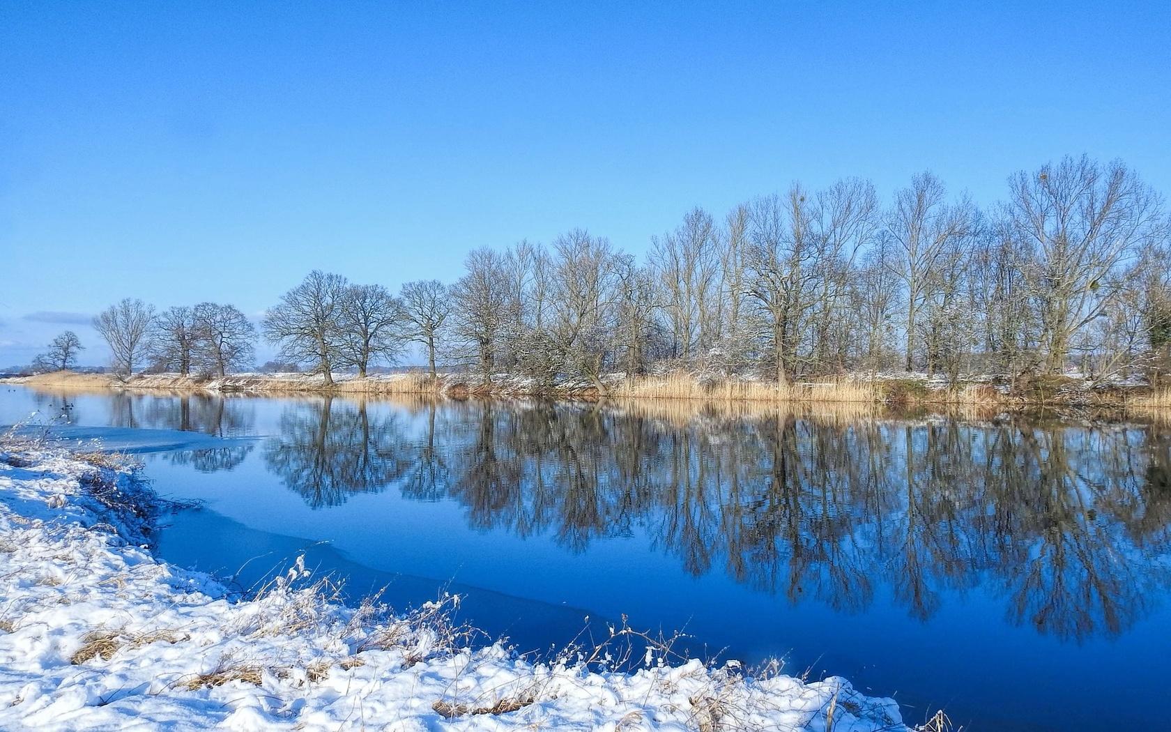 река, отражение, деревья, снег