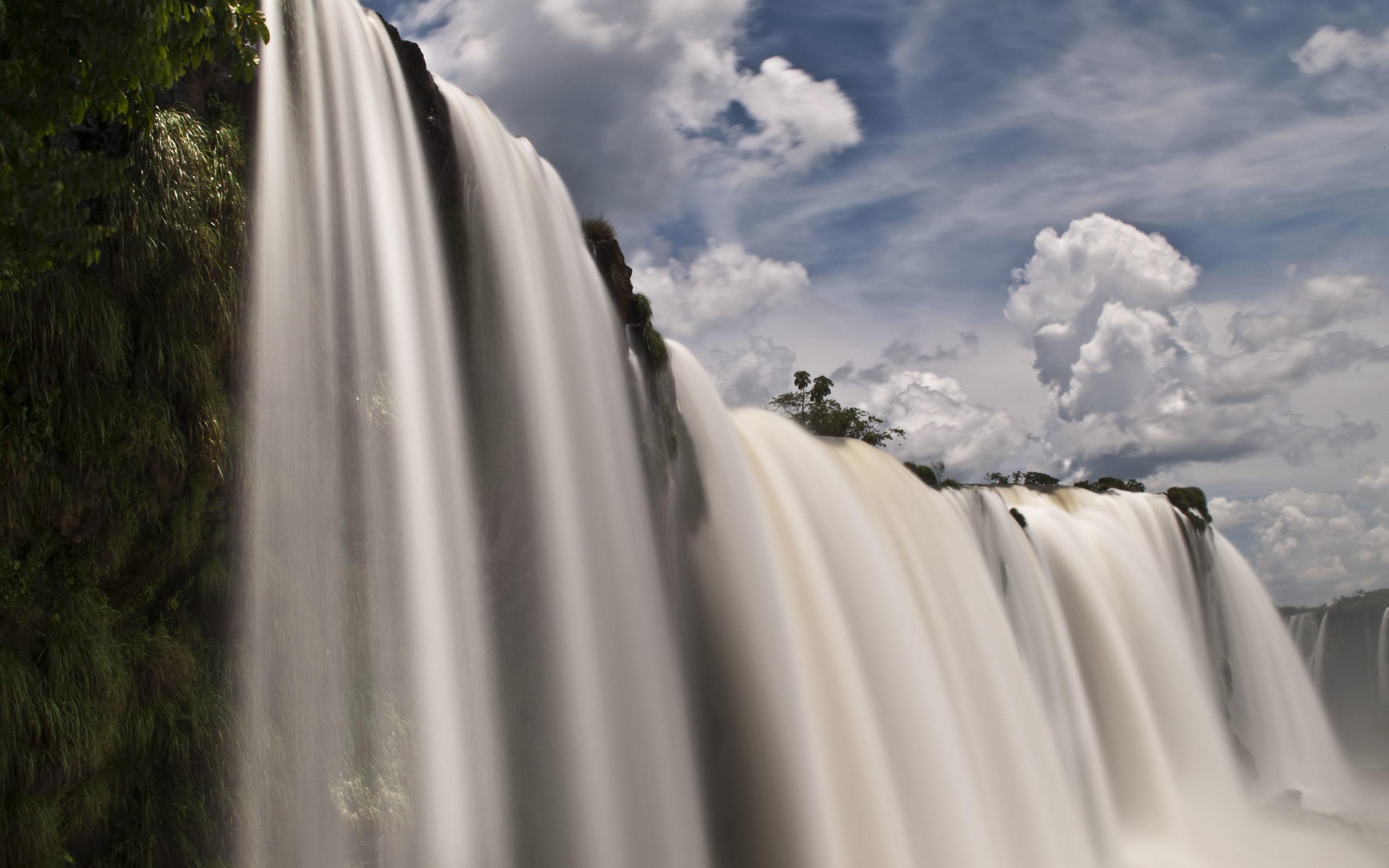 водопад художественное фото макияж черным