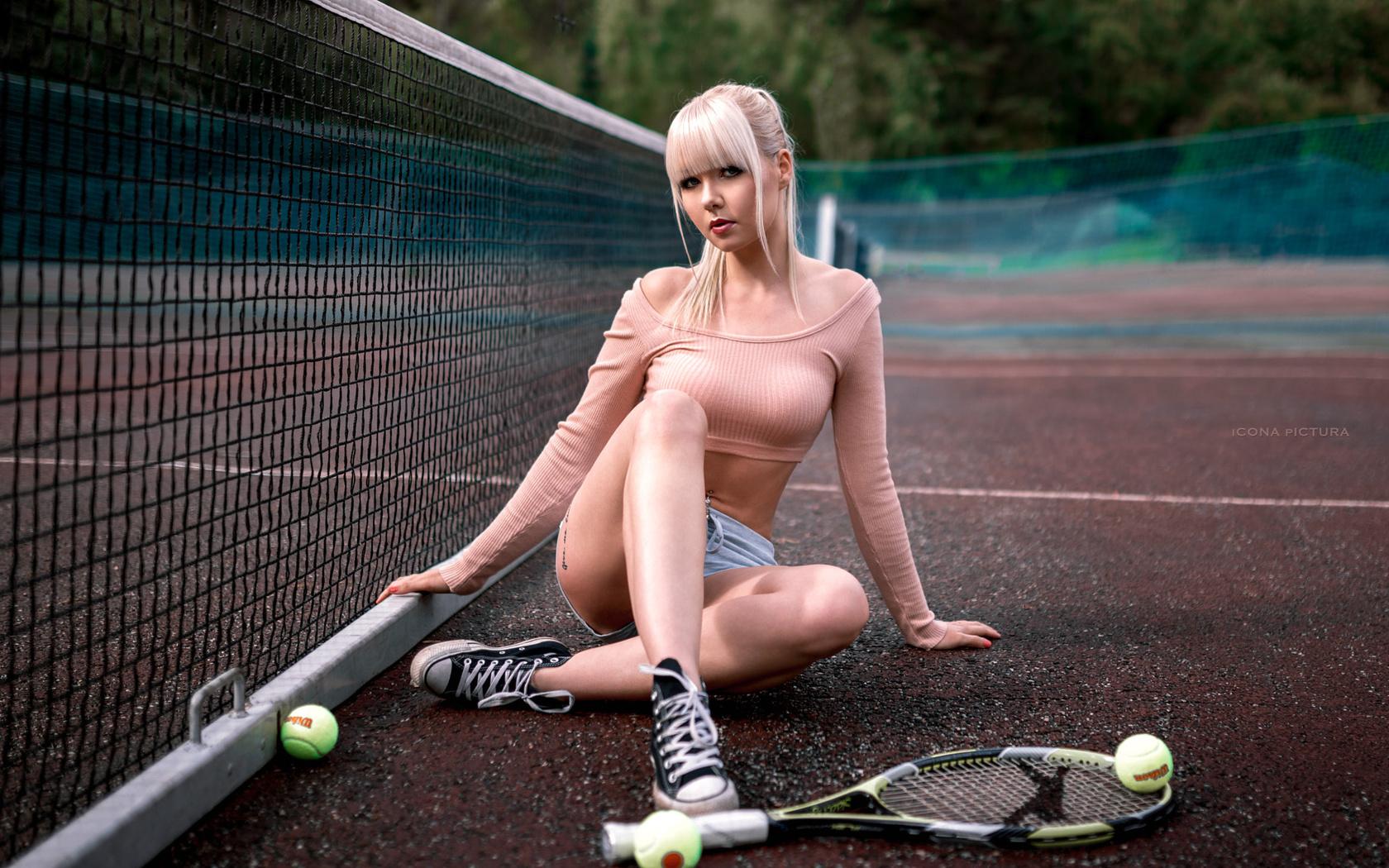 sexual-tennis-girls-fingering