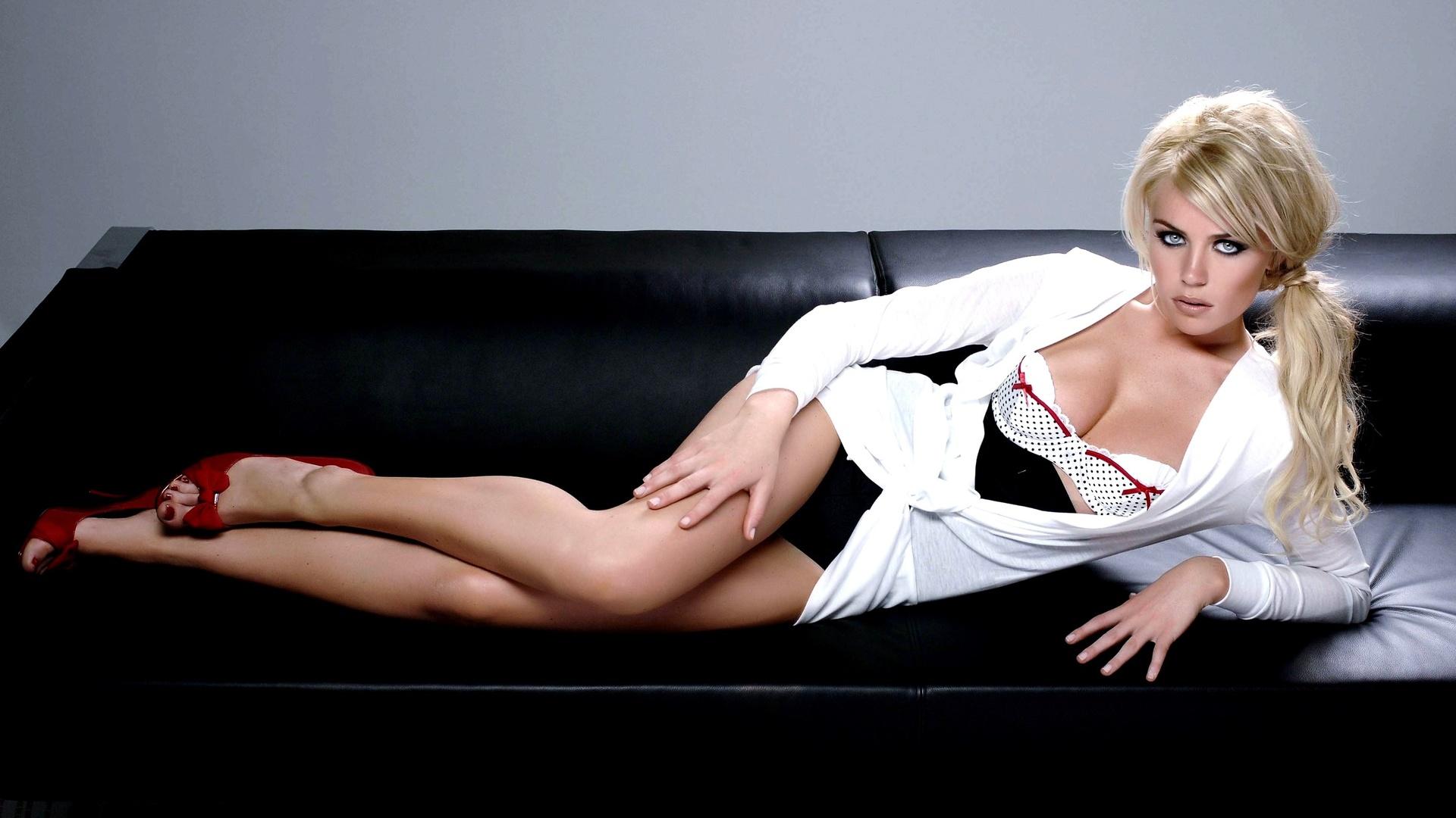 abigail clancy, девушка, блондинка, модель, позирует