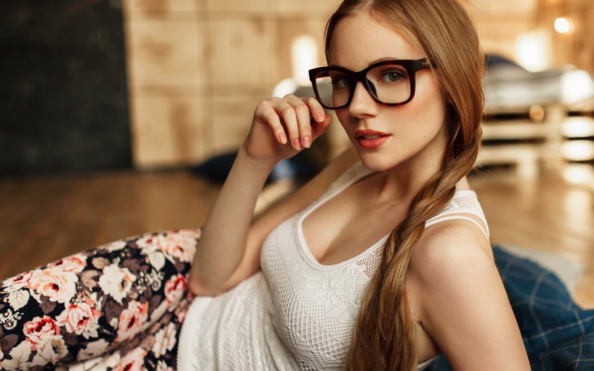 nude-young-nude-women-with-glasses-fuck-spy-nude