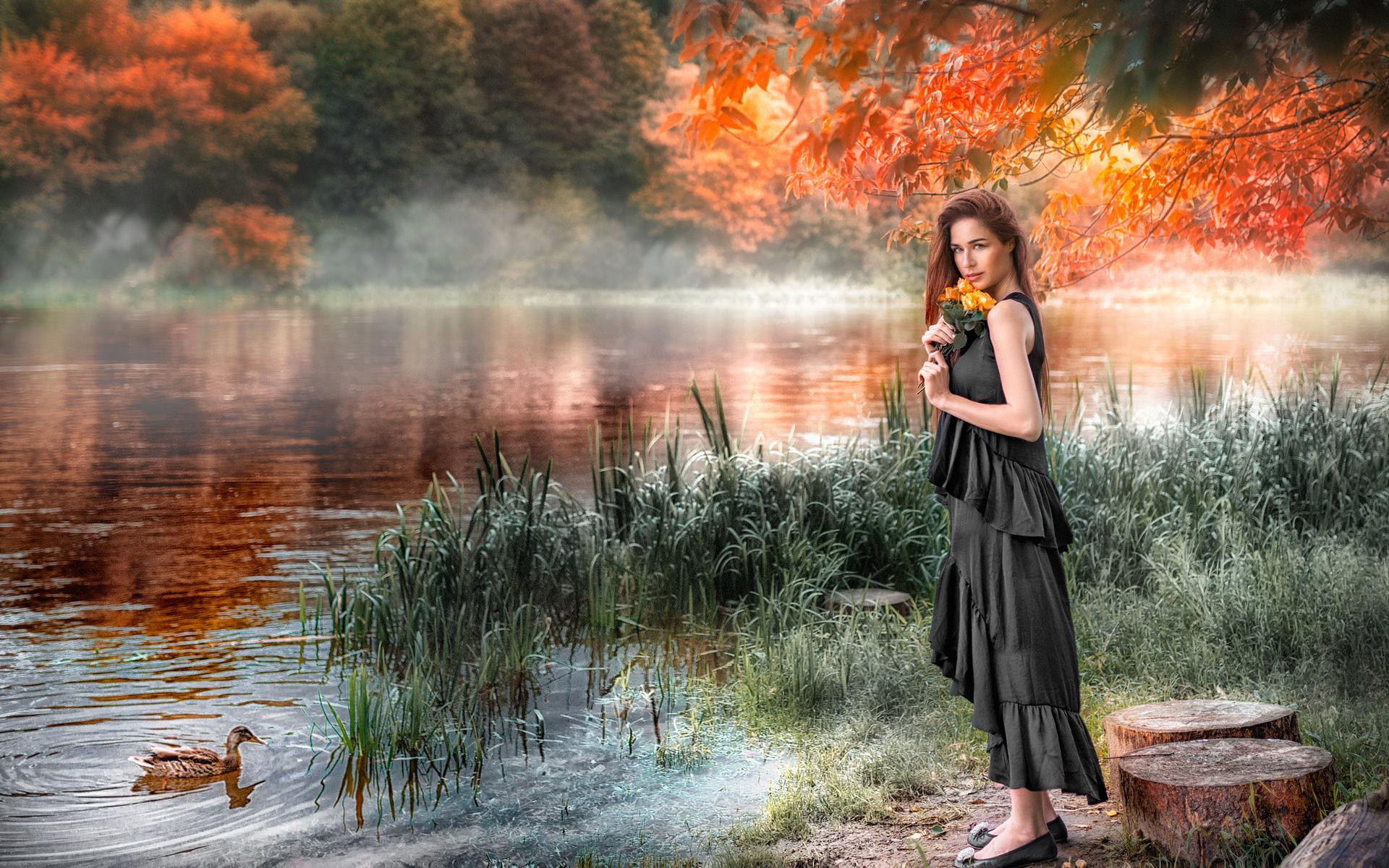tomas bark, девушка, шатенка, взгляд, платье, цветы, розы, природа, озеро, камыши, утка, птица, деревья, пеньки