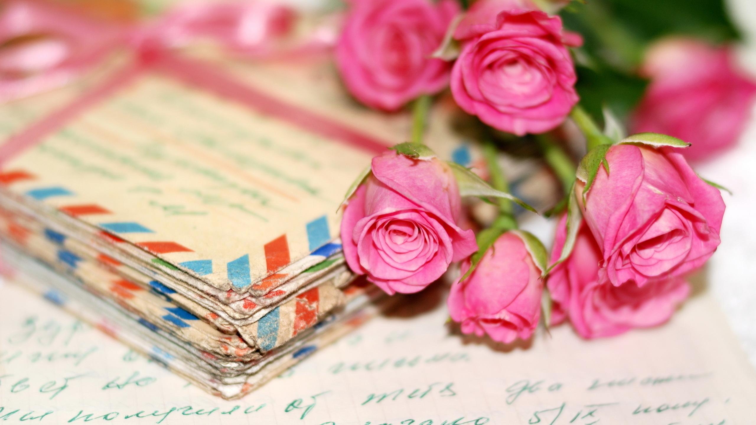 Послание в открытке к цветам