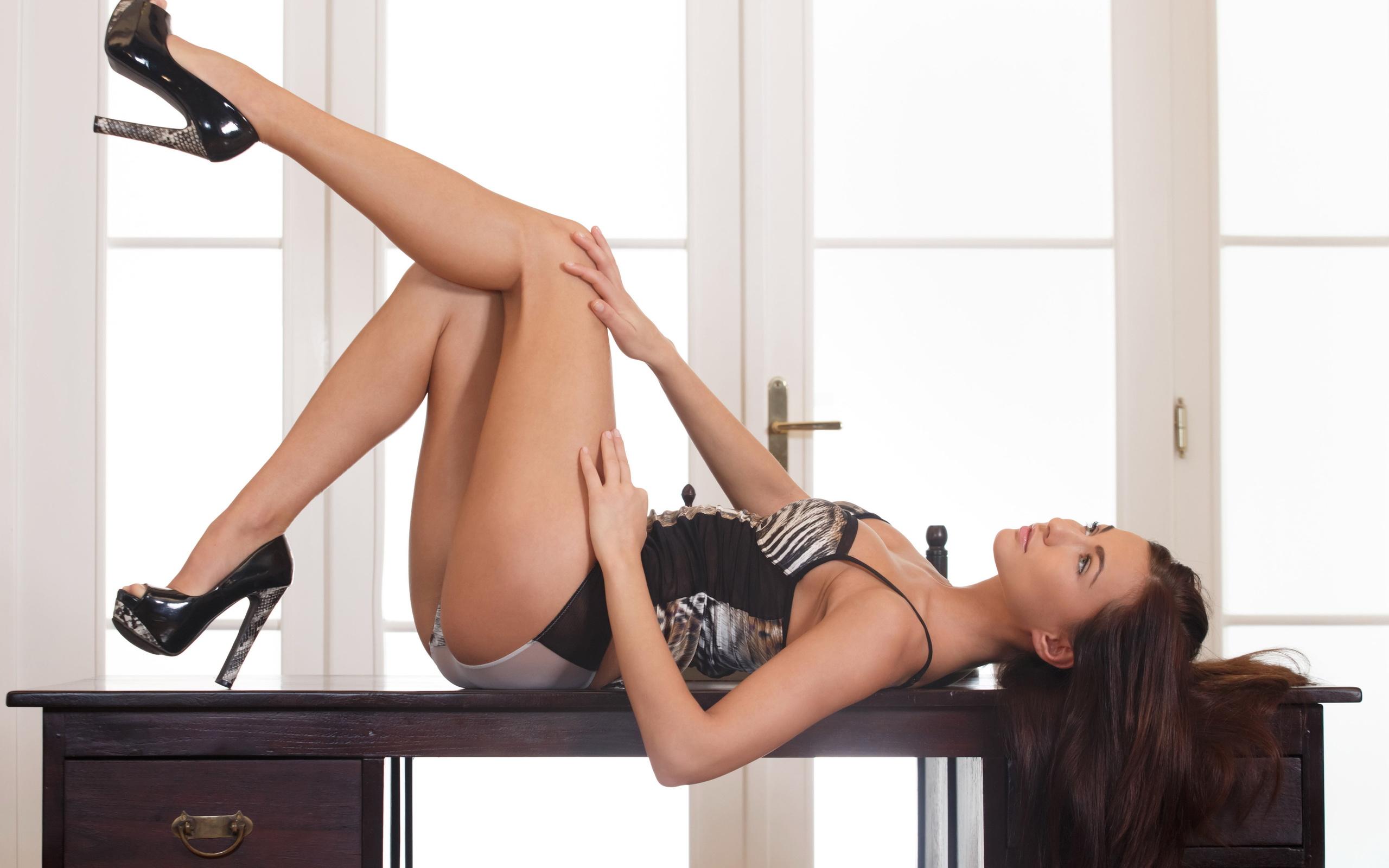 Sexty girls legs — pic 8