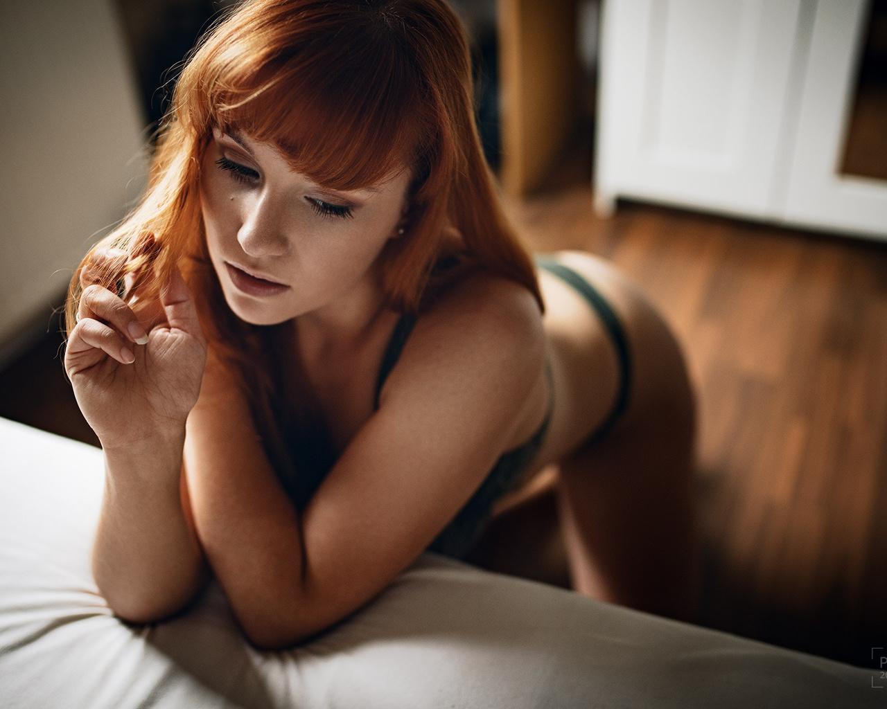 nude girl blow job gif